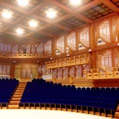 대형 전통 건축 한식극장