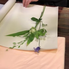 [꽃다발 마스터반] 사선으로 잘라 꽃이 잘 보이게 포장하는 한송이 꽃다발 포장방법