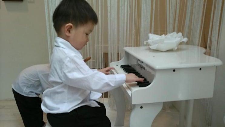 미래에 피아니스트 우리 둘째!