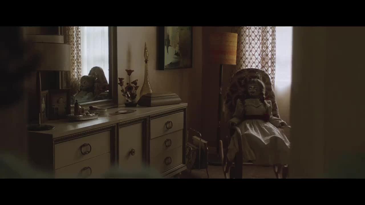 애나벨과 악령들 영상