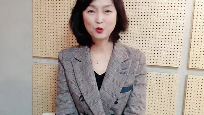안녕하세요, 성우 김희선입니다.