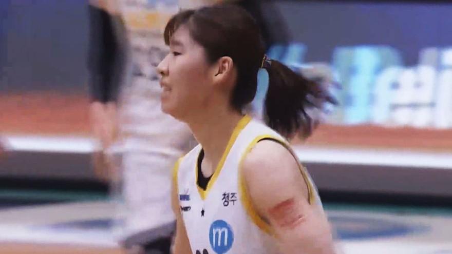 '행운의 득점이 나왔네요' 김민정의 버저비터 득점